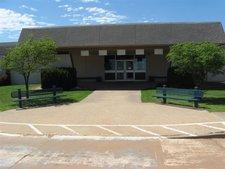 Hennessey Elementary School Image